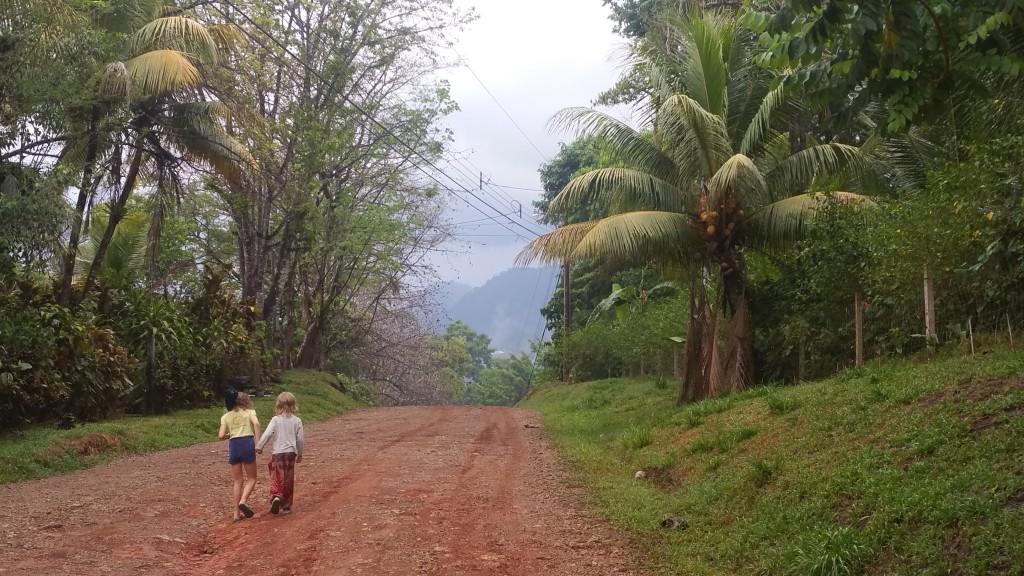 Costa Rica - Ojochal - walk in the neighbourhood