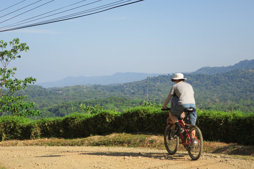 Costa Rica - Ojochal - Cycle in the neighourhood